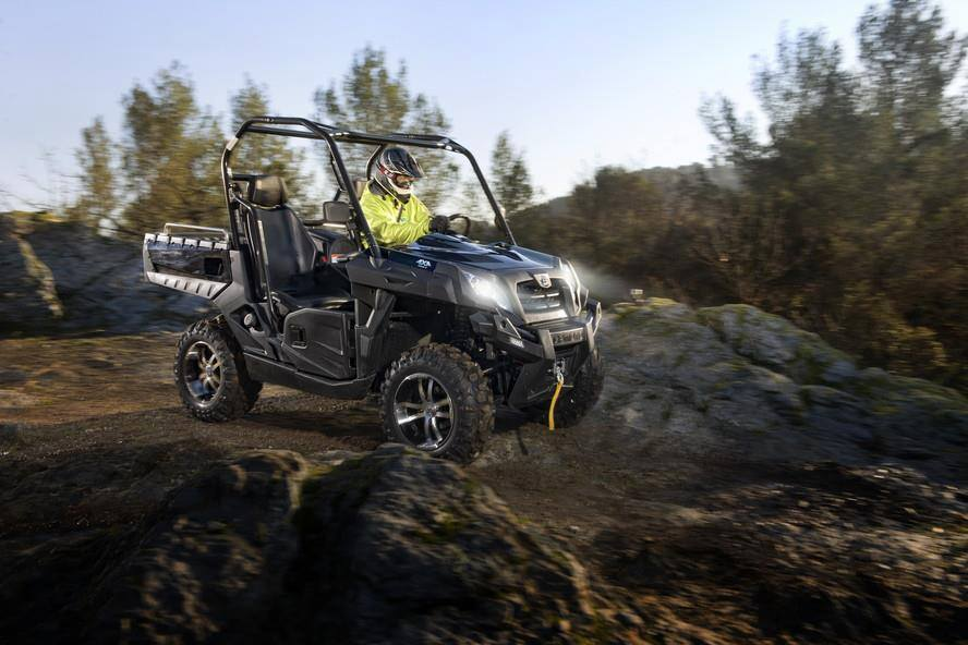 UFORCE 800 EPS - Gladiator UTV 830 EX EPS
